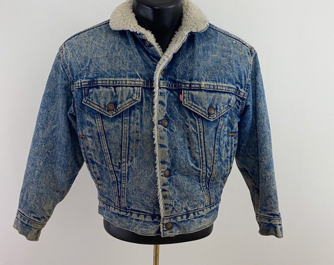 Featured listing image: Vintage 1970's // Levi's Sherpa Lined Jean Jacket // M // Levi's // Denim // Distressed //