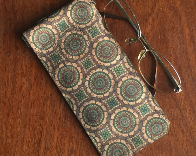 Vegan green circles printed beige cork fabric/cork leather - spectacles/ glasses case - flexible spring closure