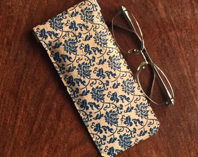 Vegan blue flower printed beige cork fabric - cork leather - spectacles case - glasses case - flexible spring closure