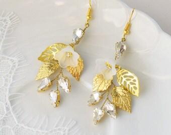 Bridal Earrings, Bridal Jewelry, Wedding Earrings, Wedding Accessory, Bridesmaids Jewelry, Rhinestone Earrings, Champagne Crystal Earrings