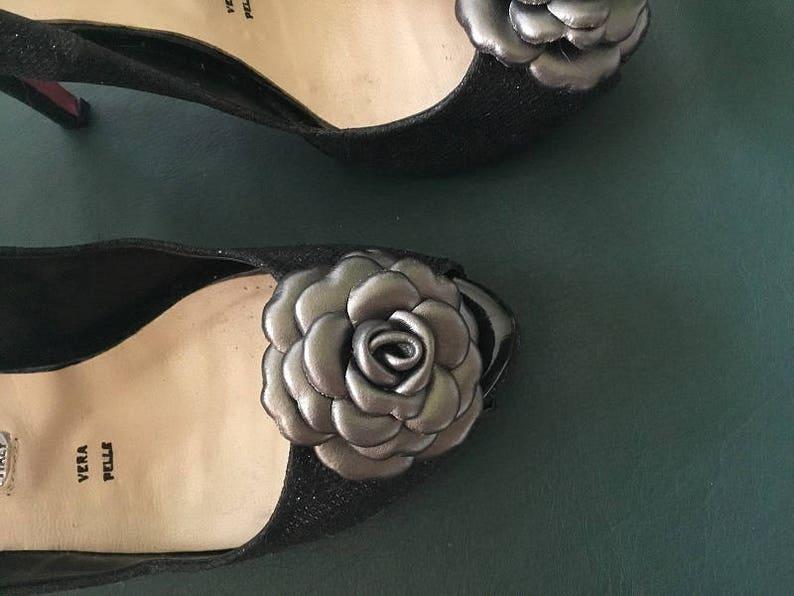 Rose shoe clip Flower shoe clip Italian handmade. Set of 2 Leather Shoe Clips Wedding  Shoe Clips- Metallic gray clips