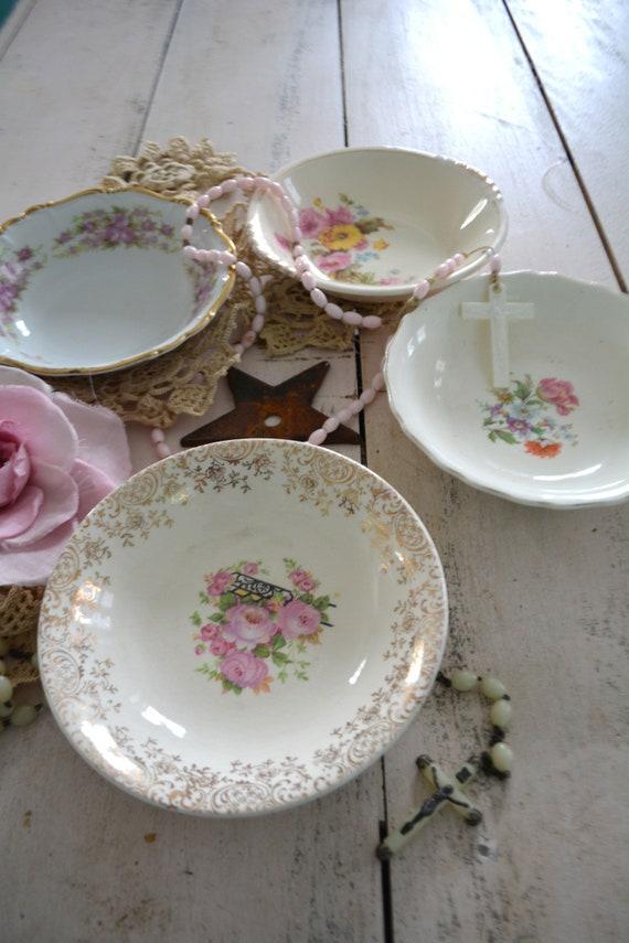 Cottage Chic Farmhouse Shabby Vintage Mismatched Pattern China /& Glass Place Setting Floral 5 Pcs
