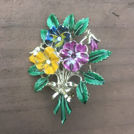 Exquisite signed, pansy spray, pansy brooch, pansi