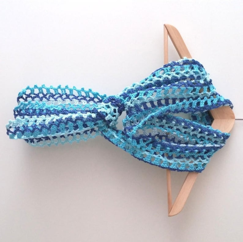 Bekend Haakpatroon sjaalBlauw zomers sjaaltje haken patroon trendy   Etsy @JX96