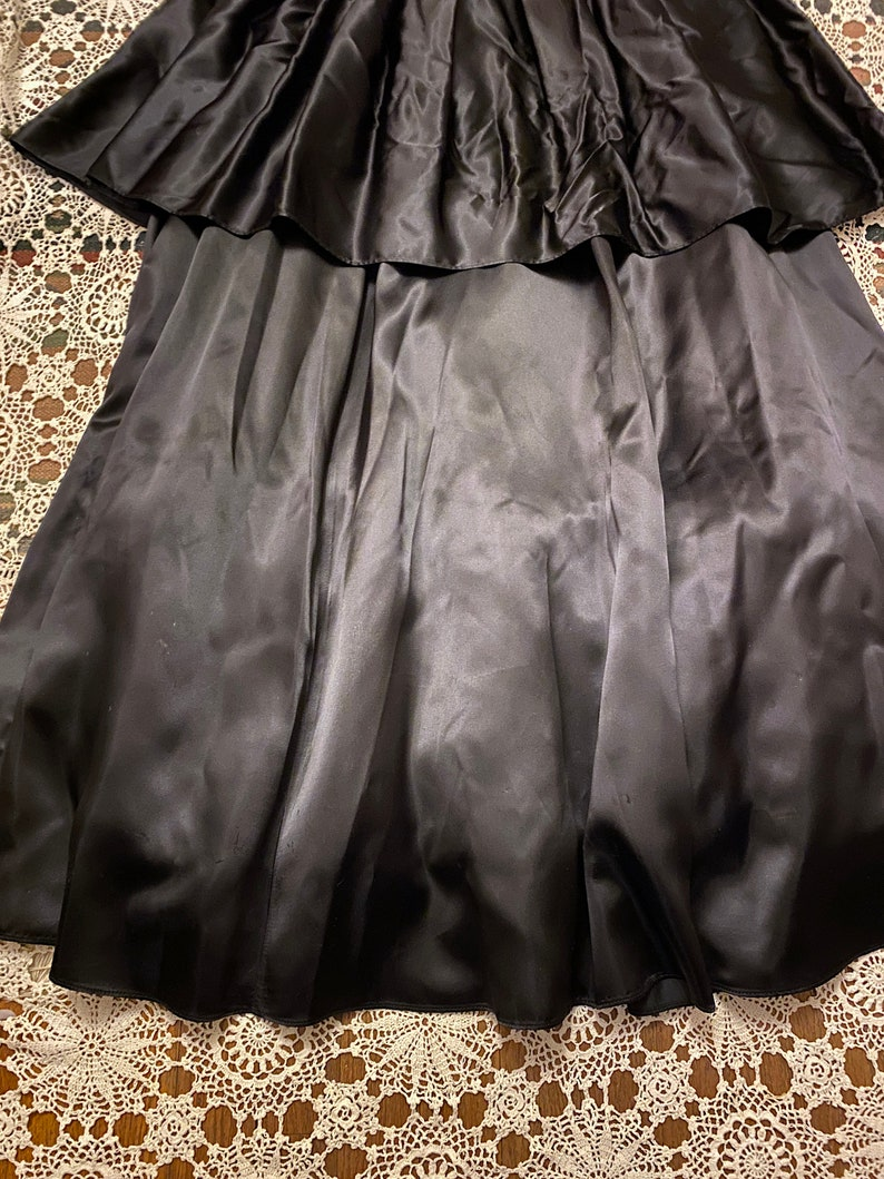 Vintage 1980s Gunne Sax Jessica McClintock Black and White Striped Big Bow Double Tiered Ball Gown Prom Dance Party Retro Size 7