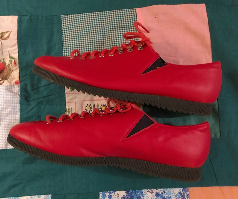 Vintage 1980s Red Lace Up Vinyl Flats by Mainframe Retro Cool Kid Flats Funky Art School Shoes Boho Retro Festival Size 7 12 B