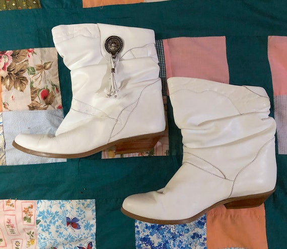 purchase original low priced attractive price Vintage 1980s White Western Booties Retro Boho Festival Slouch Booties  Tassel Detail by Clicks Classics