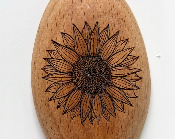 Sunflower wooden spoon. Personalized for gifts or favors. Gift wrap included!!