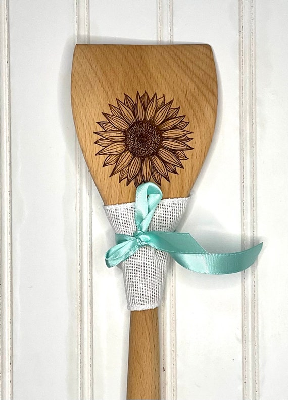 Sunflower wooden spatula. Personalized for gifts or favors. Gift wrap included!!
