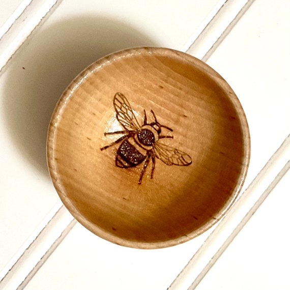 Bumblebee Ring Bowl. Laser Engraved design. Free Gift Wrap Included