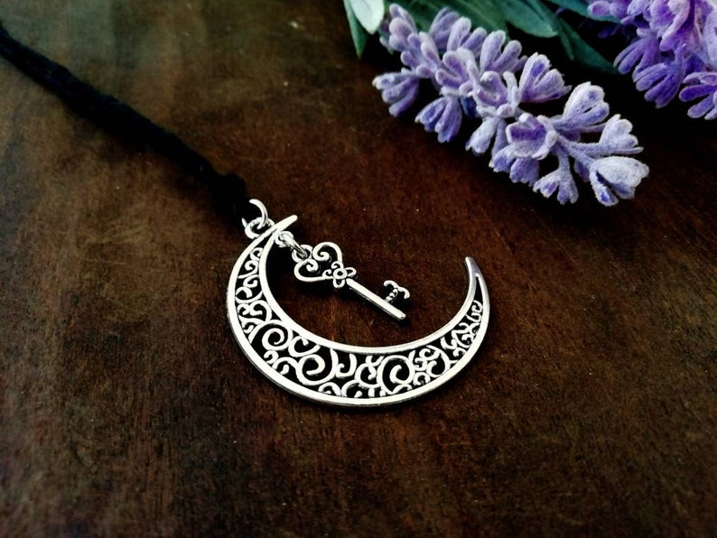 Nu goth moon necklace steampunk moon adjustable lenght necklace