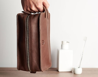 2deb828f2a Brown Leather Hanging Toiletry Bag Men Travel Size Wash