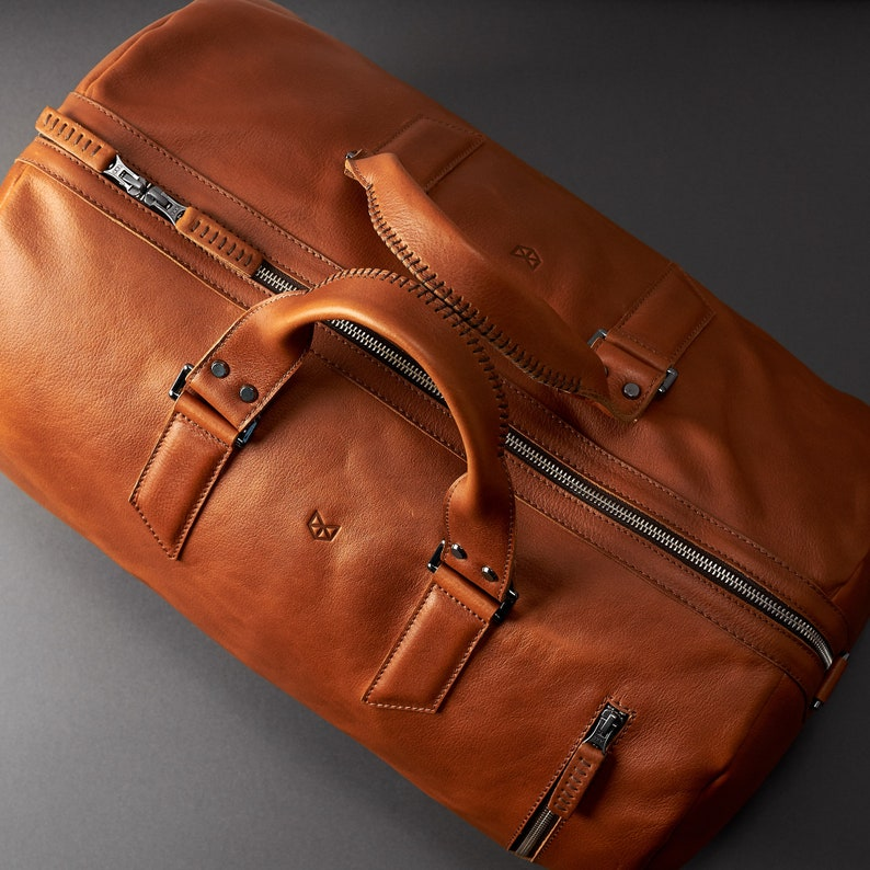 fd59fca5b037 Tan Leather Duffle Bag Men 35L Shoulder Travel Weekender