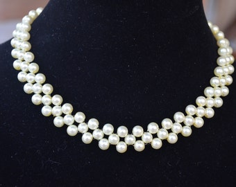 Beautiful ivory pearl handmade necklace