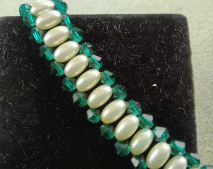 Emerald Crystal and Ivory Pearl Bracelet