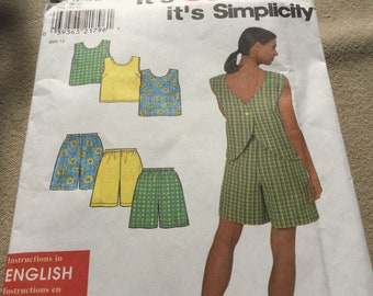 Simplicity Pattern 8203, It's so Easy Shorts and Top 10-20