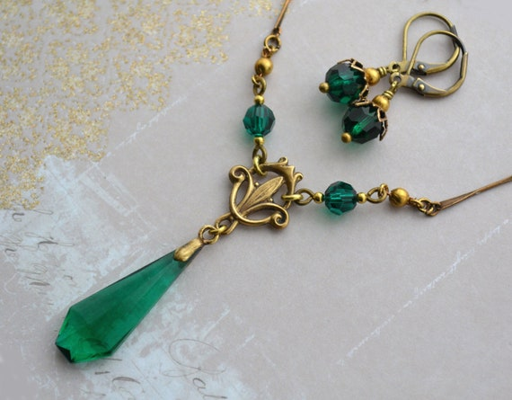 Gothic Crystal Pendant Necklace with Antique Bronze Chain-EmeraldSiamSapphire