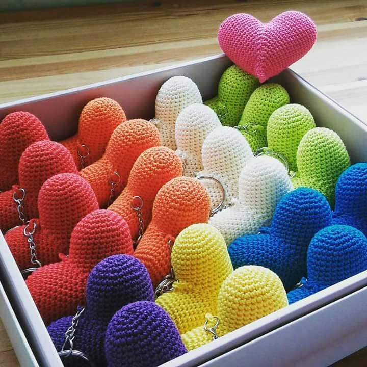 Crochet heart key chain - Craft Ideas | 720x720