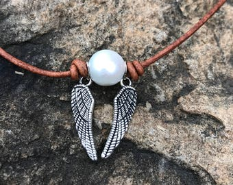 Snitch necklace, Harry Potter inspired Snitch necklace, pearl snitch necklace, Harry Potter style necklace, Quidditch necklace