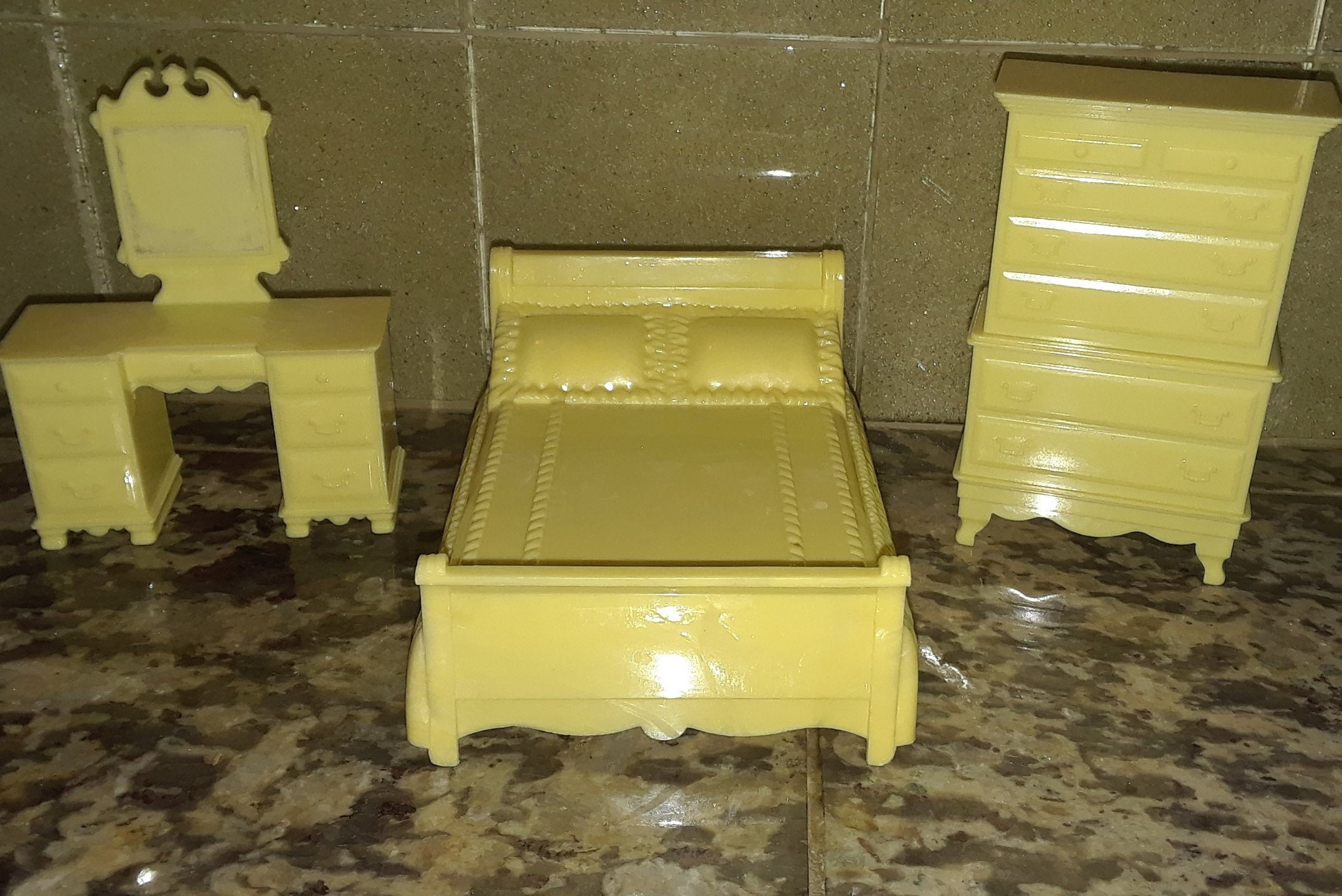 Antique DollHouse Furniture 4 Piece Lot FREE SHIPPING!