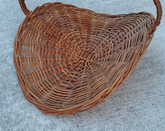 Large Wicker Basket / Flat / Oval / Flower Gathering Basket / Chic / Vintage / Woven / Rattan / Shabby Chic / Country Living / Farmhouse
