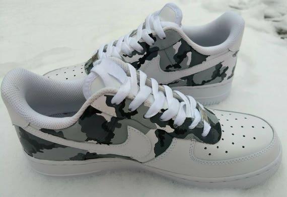 Personnalisé Nike Air Force 1, Adidas, Jordan, peinte Nike, Air Max, Urban Camo, camouflage, roshe, hawaii, qui goutte, splash, hibiscus, tropical
