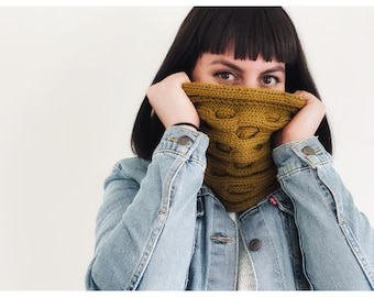 Bee-coming Cowl Knitting Pattern (NOT a finished item)   scarf pattern   quick knitting pattern   fall knitting   honeycomb knitting pattern