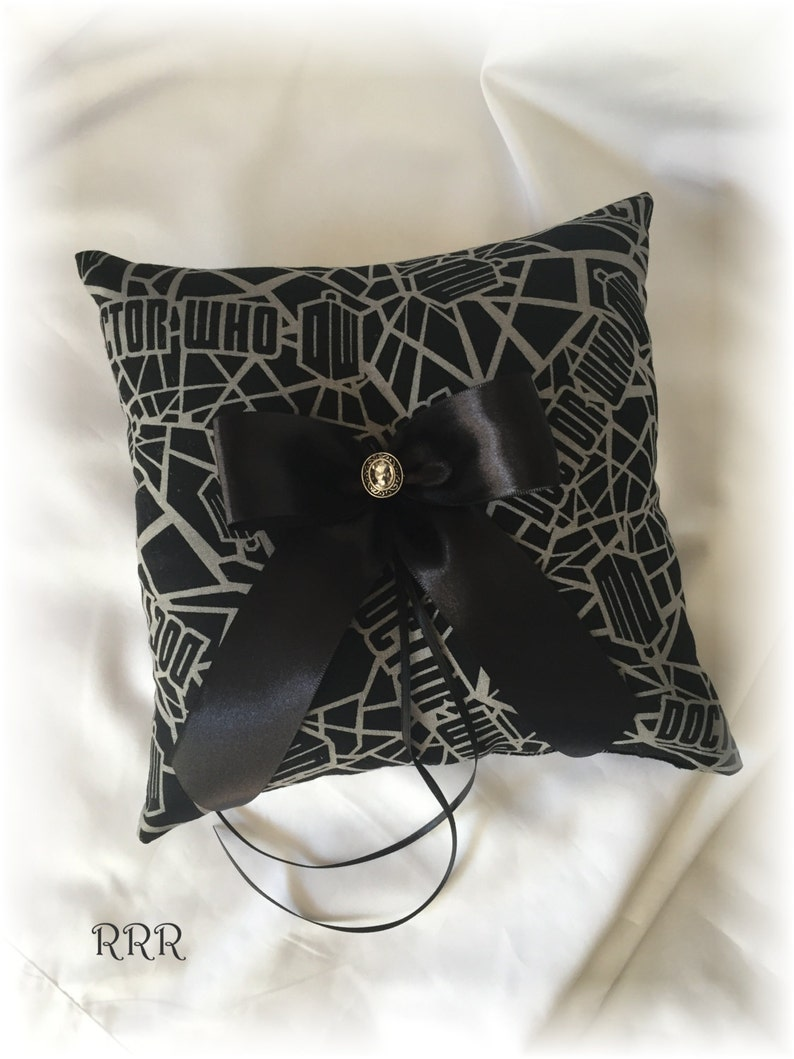 Doctor Who Ring Pillow Black Dr Who Ring Pillow Scifi Wedding Ring Pillow Doctor Who Wedding Ring Bearer Pillow Doctor Who Wedding