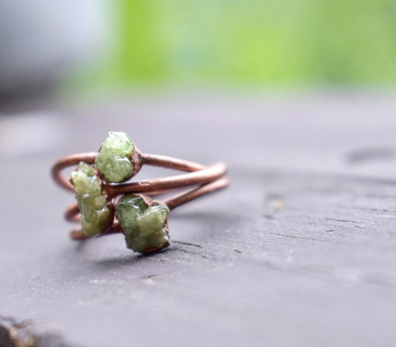 Raw garnet ring | green garnet made to order | copper gemstone ring | birthstone ring | gemstone stacking ring | minimalist ring | raw gemst
