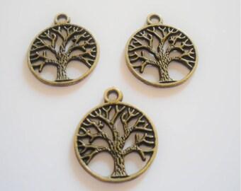 2 pendant filigree tree pattern