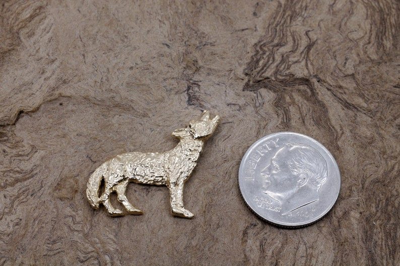 wildlife animal lover gift Men/'s 14kt solid gold 3-D howling coyote Gold Coyote Tie Tack or Pin for him Wylie coyote for husband