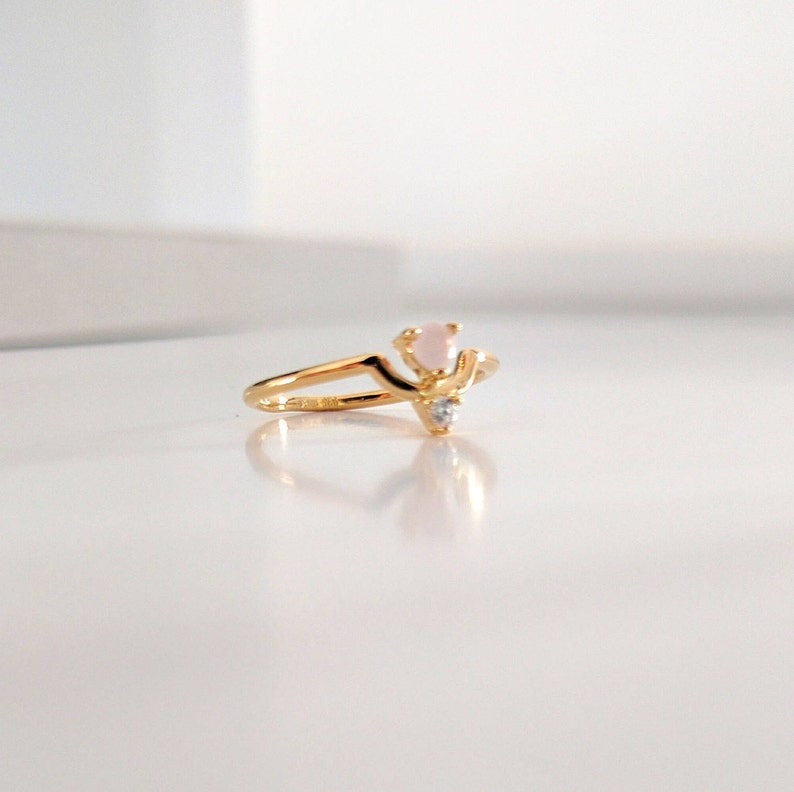 dainty ring bridesmaid wedding thank you gifts pink glass rose stone gold ring minimalist rings bridesmaid ring statement ring