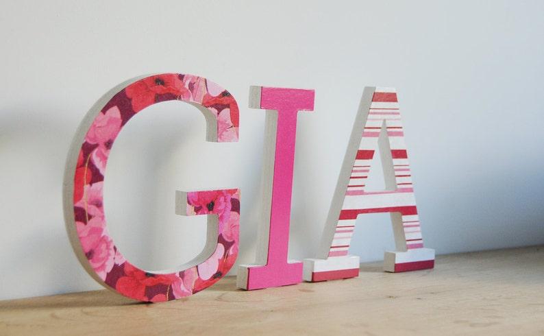 Lettere Di Legno Da Appendere : Nome di lettera di legno decoupage decorate in legno lettere etsy
