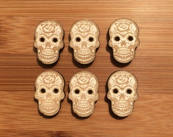 Pack of 6 Sugar Skull Wood buttons, Funky Buttons, Skull Buttons, Buttons for Knitting, Buttons for Sewing, Buttons for Crochet