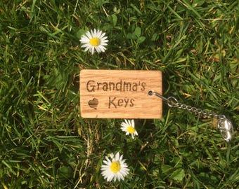 Grandma's keys Oak Key Ring, Grandma's Birthday Gift, Grandma's Christmas Gift, Grandma Gift.