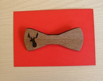 Beautifully Engraved Mahogany Bow Style Stag Brooch