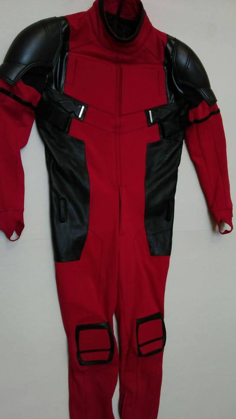 Optional for CostumeReplicaCave CostumeCosplay Suits ilustrastudios Replica Deadpool Movie Shoulders