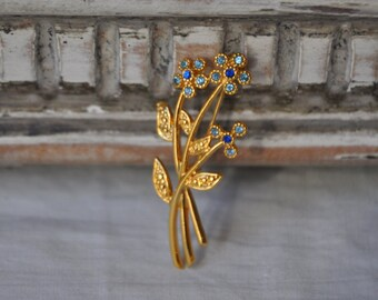 Vintage Gold Plated Flower Brooch, Gold Costume Jewelry, Elegant Brooch,Flower Goldtone Jewelry, Gift for Mom, Made in France