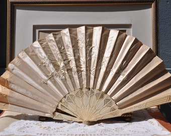 Victorian Antique French Fan, AS-IS Shabby Condition, Cream Hand Fan, 1890 Vintage Ladies Edwardian Fan, Embroidered Flowers, Paris Boudoir