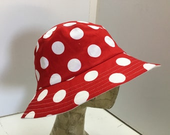 Womens summer sun hat 39, red white spot sunhat, casual washable hat, hat with brim, average size, adjustable, washable foldable