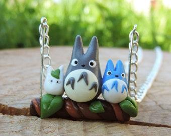 Totoro swing necklace branch 3 (fimo) blue and white chibi totoro miyazaki anime giblhi geek