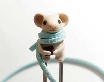 Best friend gift school supplies Cute mouse bookmark Unusual child in school book scarf bookworms reading accessories animal miniatures