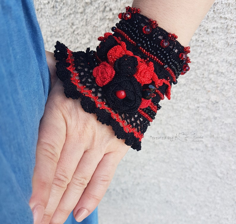 Floral crochet cuff Crochet cuff bracelet Black Red crochet cuff Black crochet bracelet Beaded cuff Red bracelet Elegant crochet cuff