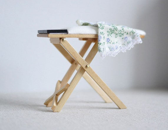 Vintage Laundry Furniture Iron /& Ironing Board 1//12 Toy Dollhouse Miniatures