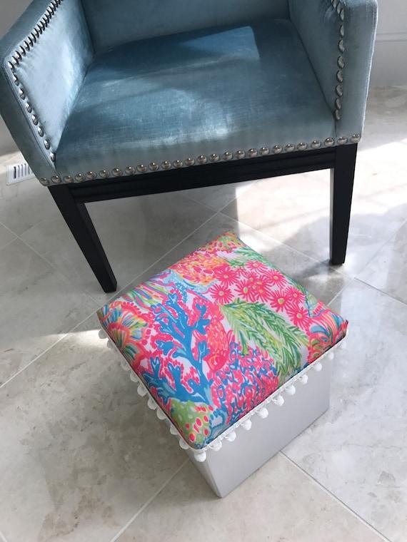 Admirable Lilly Pulitzer Lovers Coral Ottoman Stool Storage College Nursery Baby Inzonedesignstudio Interior Chair Design Inzonedesignstudiocom