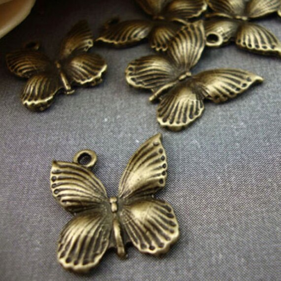 CH2 - 5 couleur or Antique Butterfly Kitsch charmes Vintage