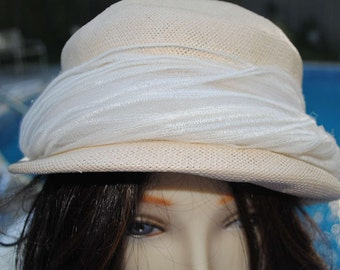 Vintage Tan Hat, Straw, Union Made, 21 1/2 inches, ladies, womans, cloche