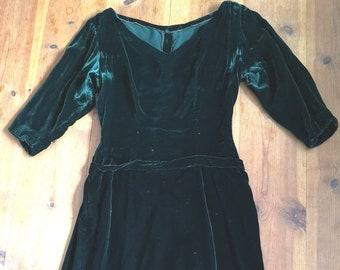 Vintage 1940s silk velvet dress women, 1940s dress, green silk velvet dress, 1940s, 40s