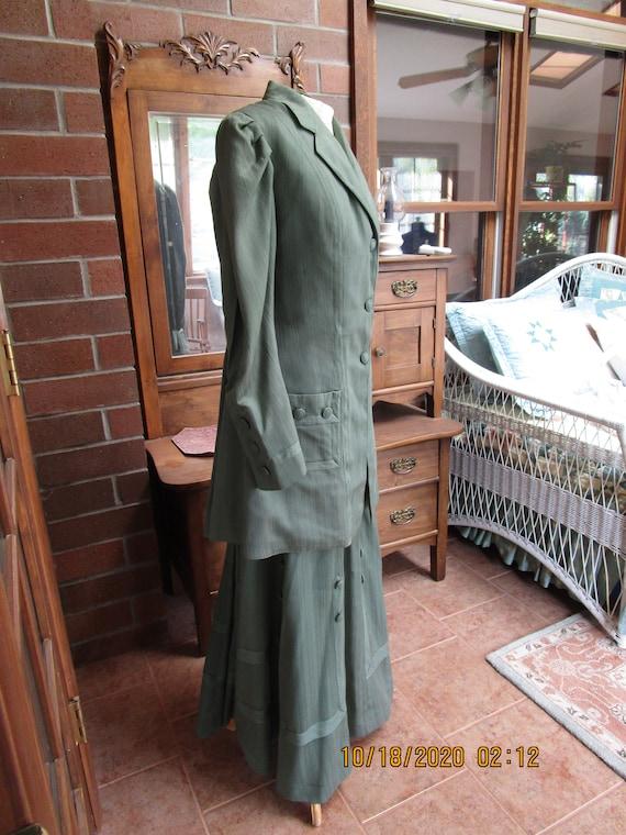 1910 green wool walking suit