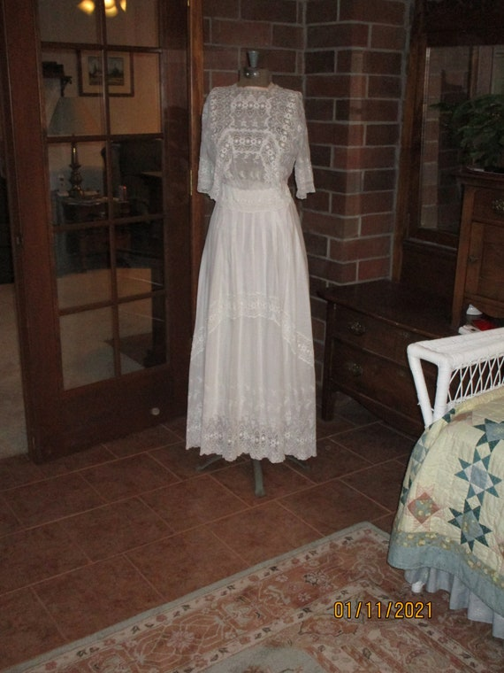 Exquisite 1910 wedding dress lawn cotton eyelet